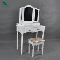 Triple Mirrors Bedroom Furniture Wooden Vanity Dressing Table